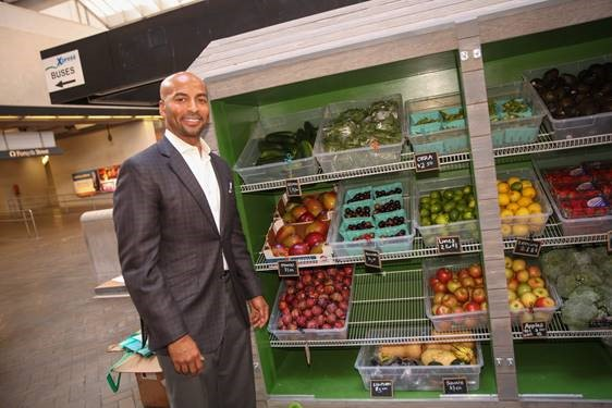 MARTA GM Keith Parker at 2016 Fresh MARTA Market Ribbon-cutting